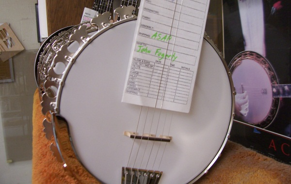 A Visit To Deering Banjo Company « American Songwriter