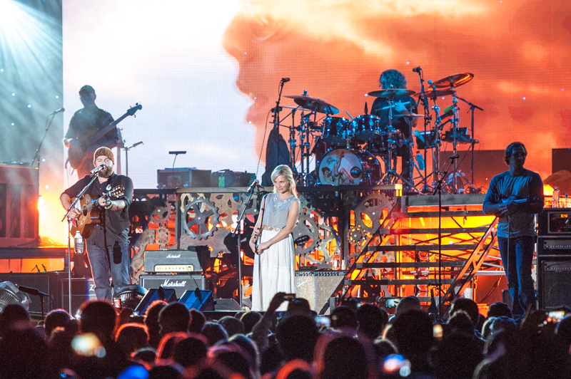 Clare Bowen with the Zac Brown Band