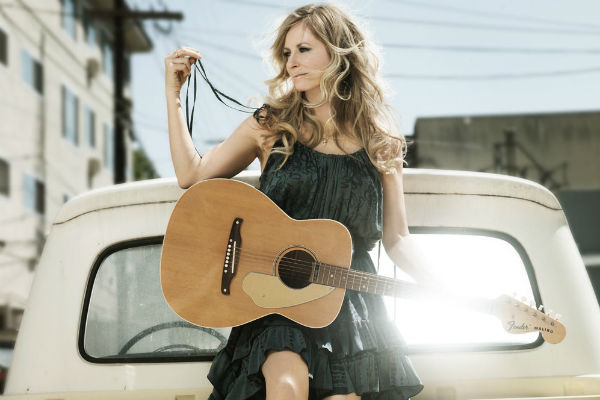 Deana-carter-Guitar-Truck-5-Web