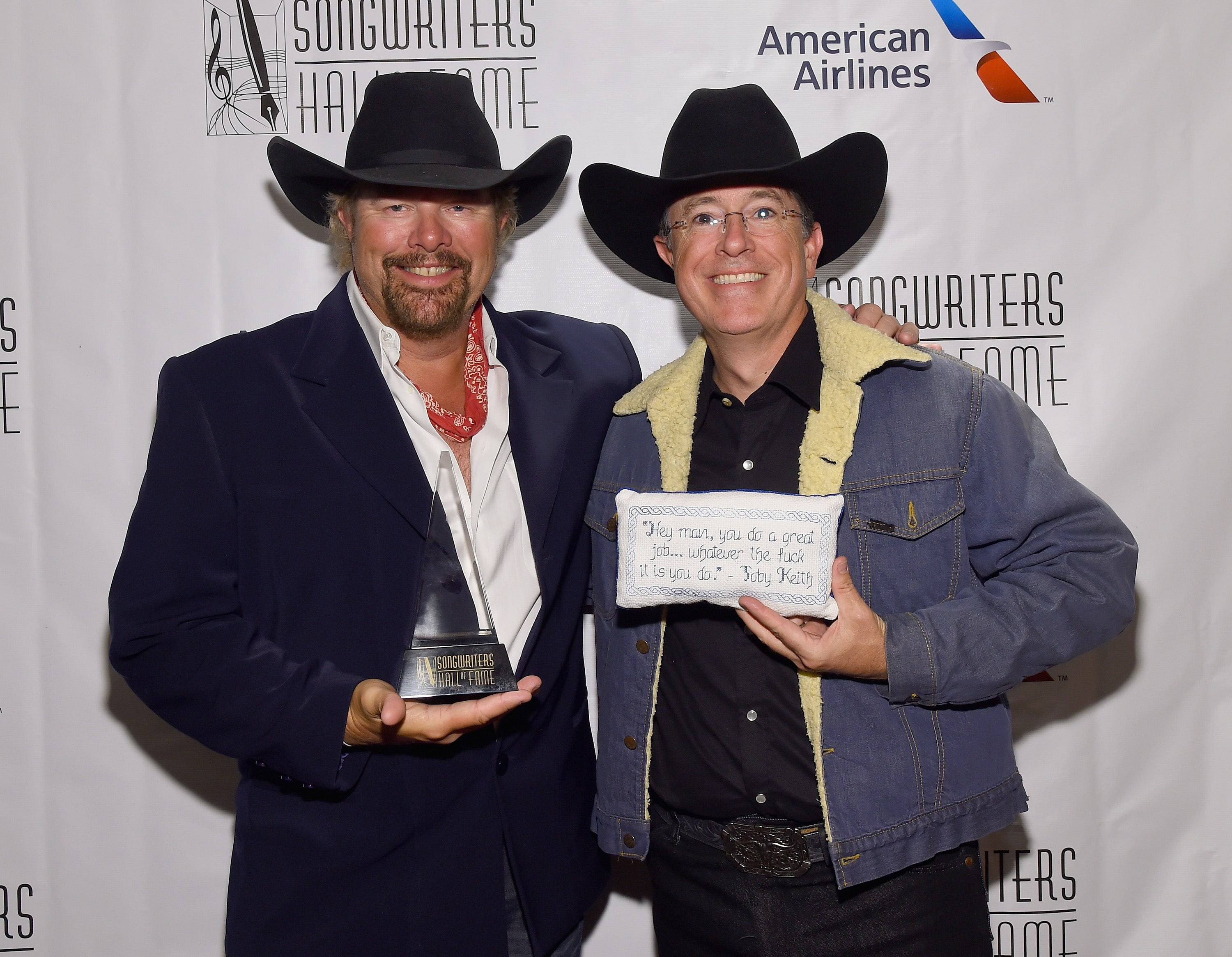 Toby Keith and Stephen Colbert (Photo: Larry Busacca)